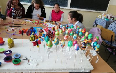 Creativity workshop: Children, parents, and teachers awaiting Easter